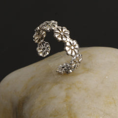 Adjustable Daisy Flower Beautiful Ring - Oh Yours Fashion - 3