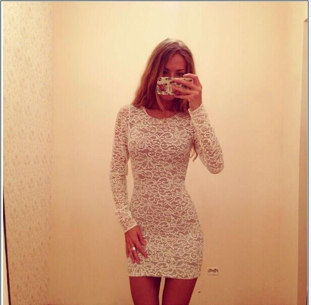 Pure Color Hollow Out Lace Long Sleeves Slim Scoop Short Dress - Meet Yours Fashion - 2
