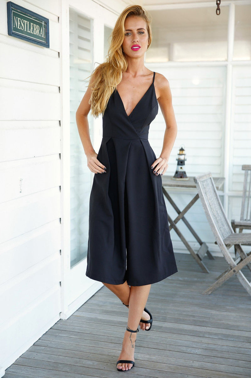 Deep V-neck Backless Sleeveless Spaghetti Strap Knee-length Jumpsuit - Meet Yours Fashion - 5