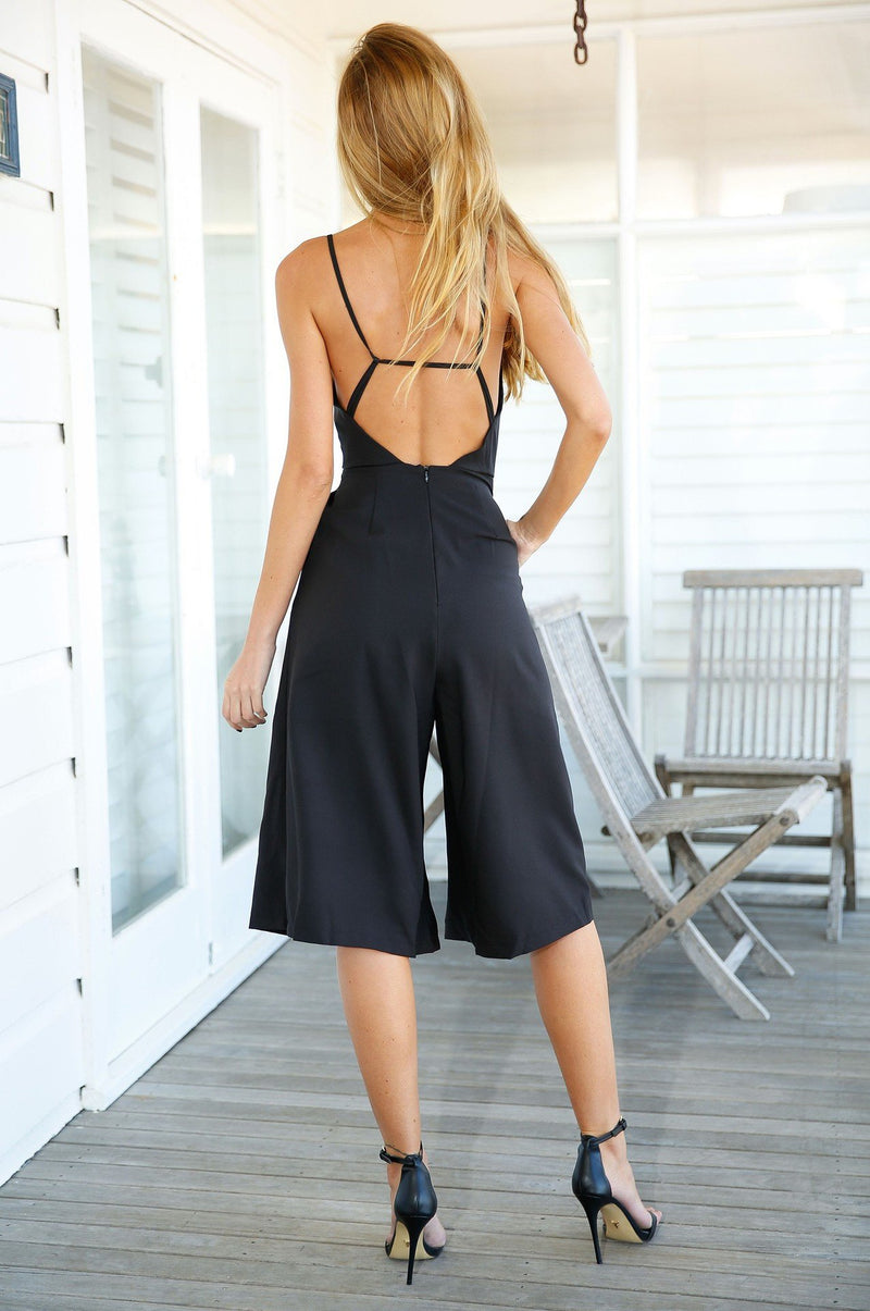 Deep V-neck Backless Sleeveless Spaghetti Strap Knee-length Jumpsuit - Meet Yours Fashion - 4