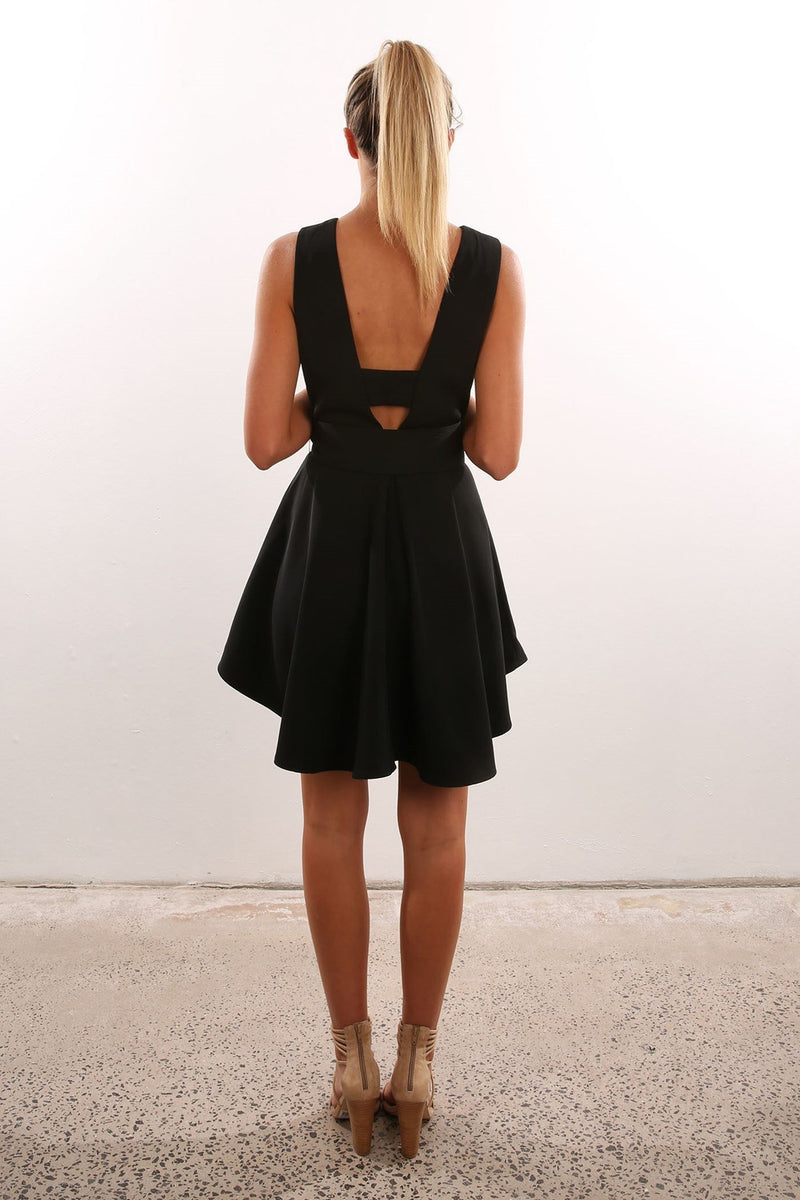 Open Back Sleeveless Solid V-neck Short High-waist Dresses - Meet Yours Fashion - 7