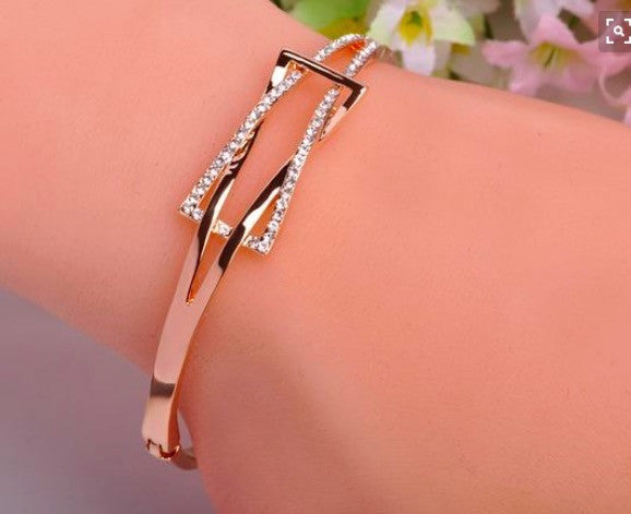 Simple Fashion Crystal Geometric Shape Women's Bracelet - Oh Yours Fashion - 2