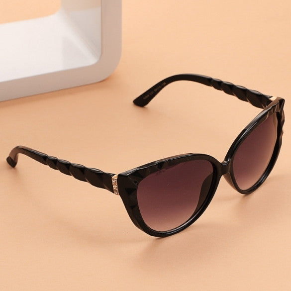 Classic Retro Women Vintage Style Sunglasses - Oh Yours Fashion - 2