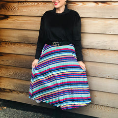 test Put those jeans away, the pleated skirt has arrived!