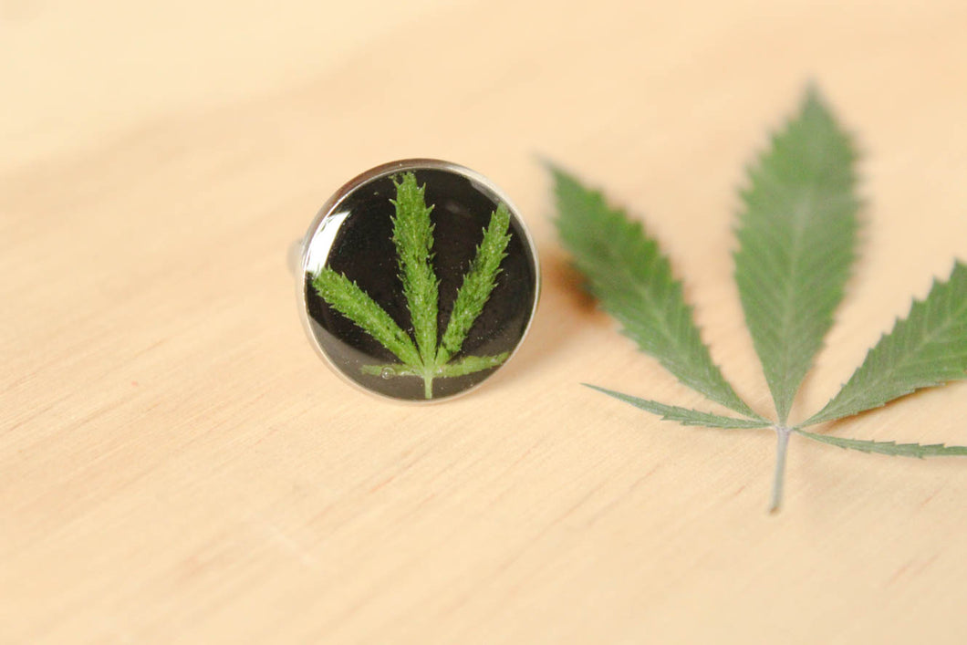 Maryjane Leaf Stainless Steel Ring