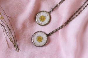 Preserved Daisy Necklace