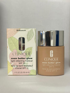 Clinique Even Better Glow Light Reflecting Makeup SPF 18 CN 02 breeze