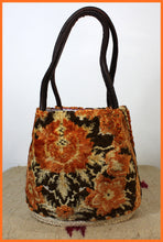 Load image into Gallery viewer, MEDIUM CARRY BAG - Burnt Orange