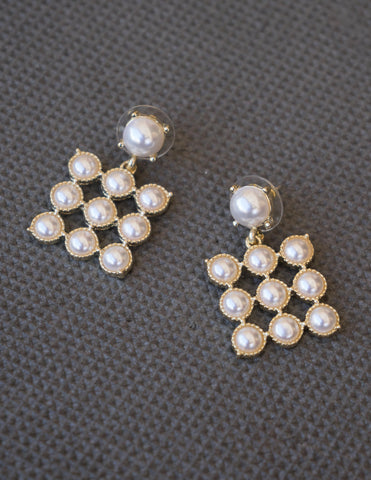 Square Circles Pearl Earrings