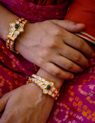 Uncut Kundan Screw Bangles