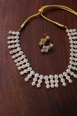 AD White Flower Necklace