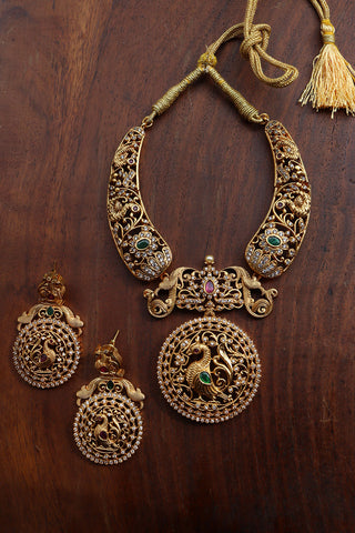 Cutwork AD Round Short Necklace