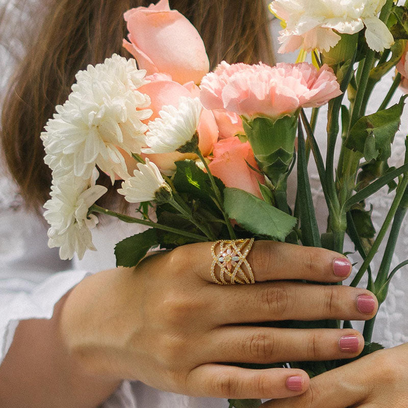 Delicate AD Flower Ring
