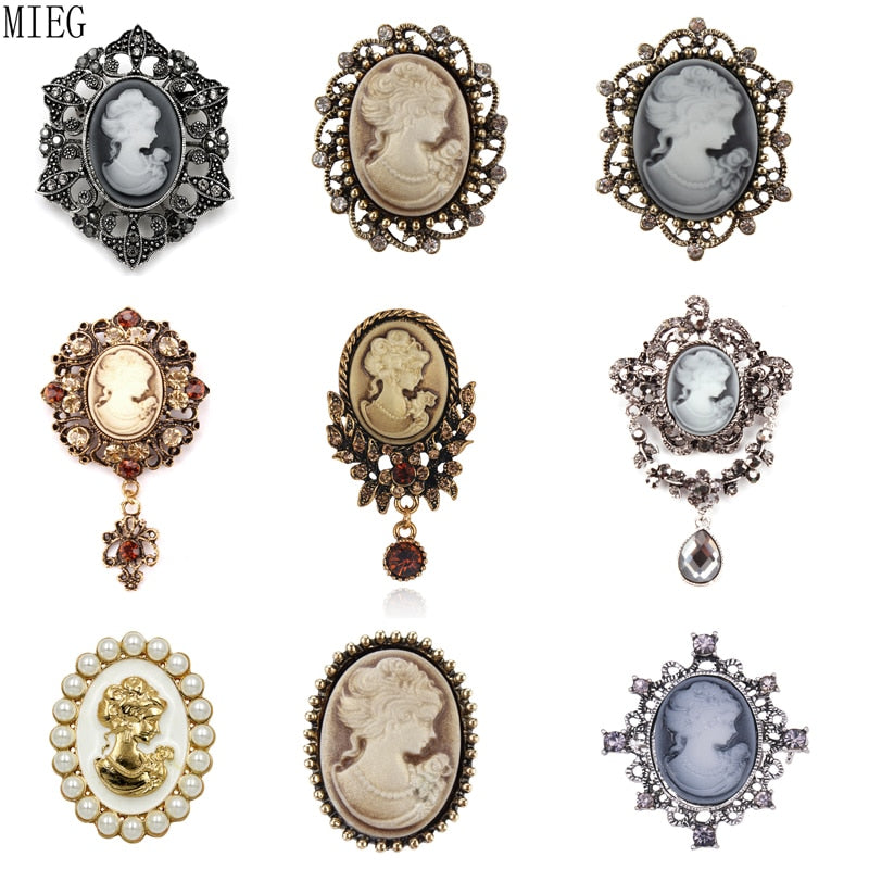 Broches gothique style Victorien