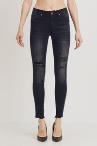 Mid-Rise Distressed Skinny (Color Black - Front View)