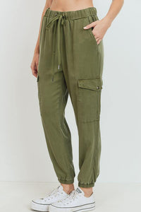 Cargo Tencel Jogger (Olive - Side View)