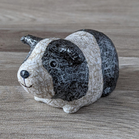 GUINEA PIG DECOPATCH KIT (BLACK & WHITE)