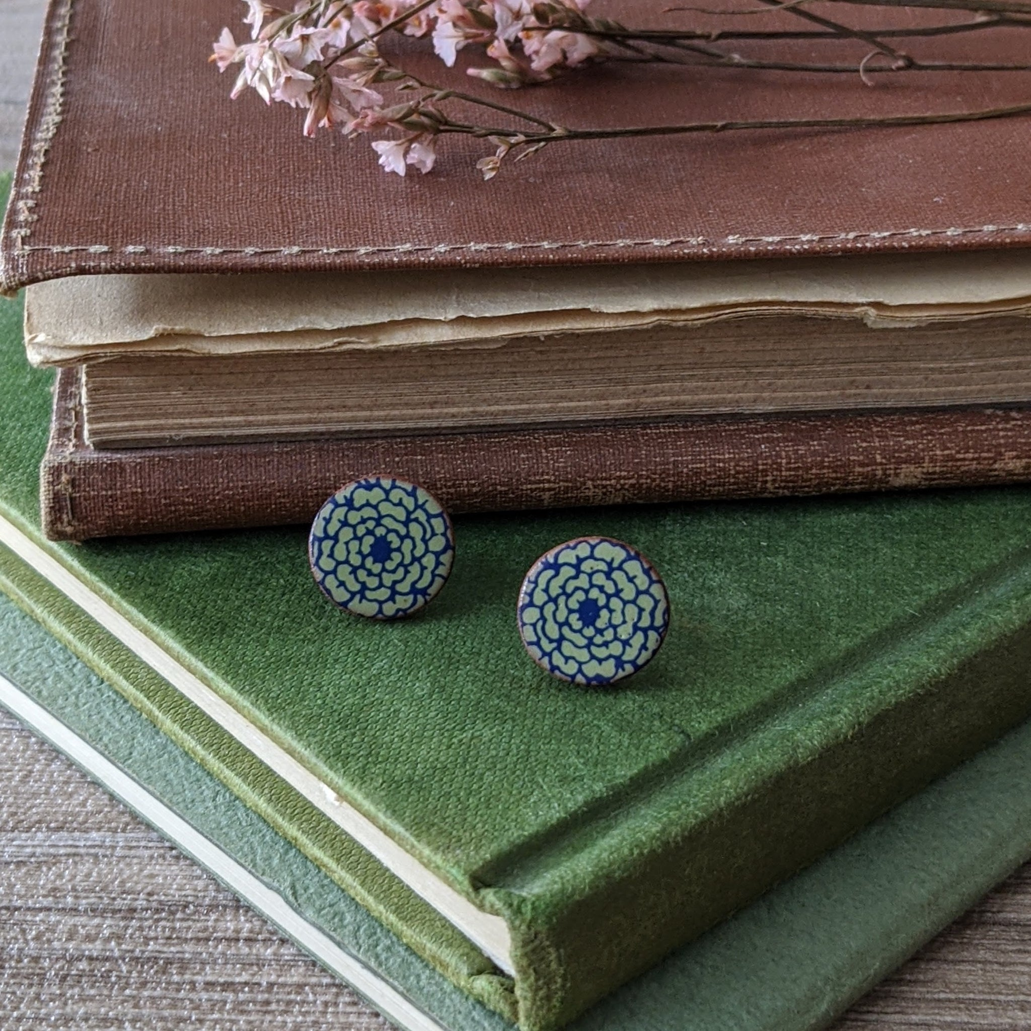 CERAMIC STUD EARRINGS (BLUE/GREEN FLORAL)