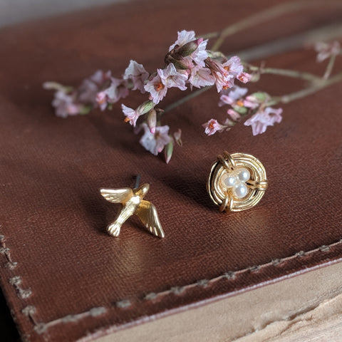 BIRD AND NEST STUD EARRINGS