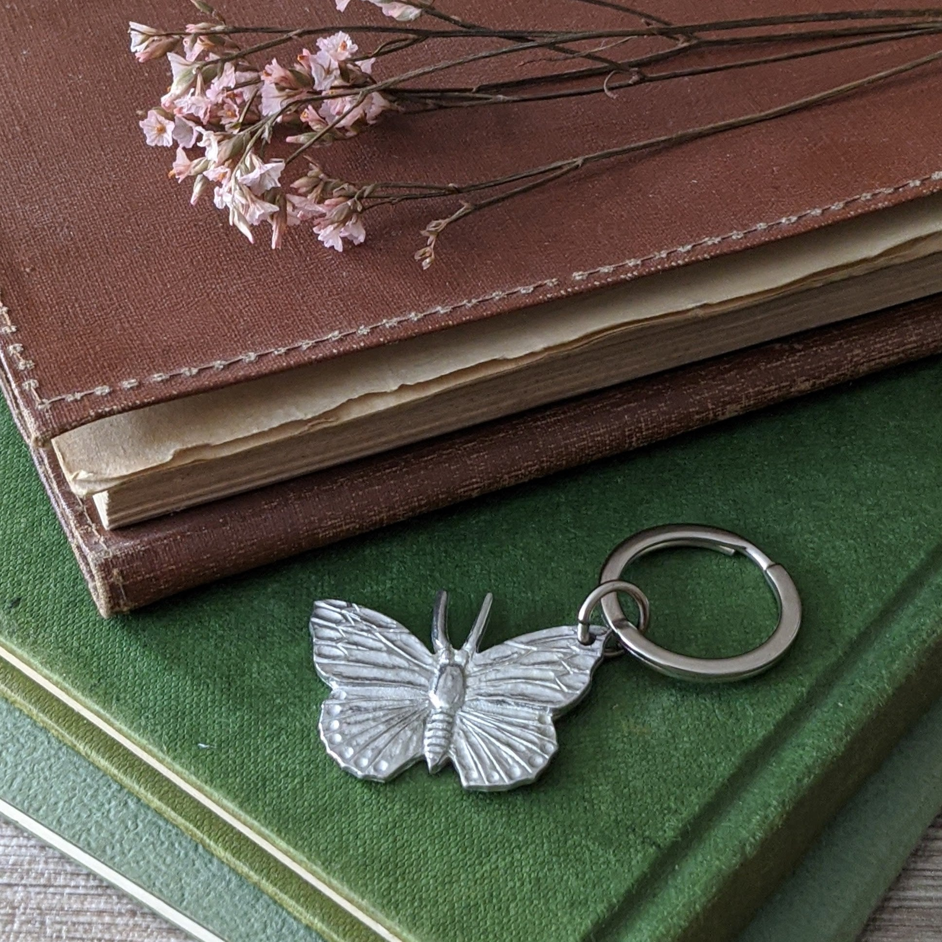PEWTER BUTTERFLY KEY RING