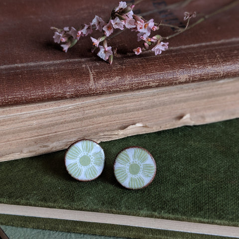CERAMIC STUD EARRINGS (GREEN)
