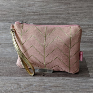 PINK CHEVRON CLUTCH PURSE