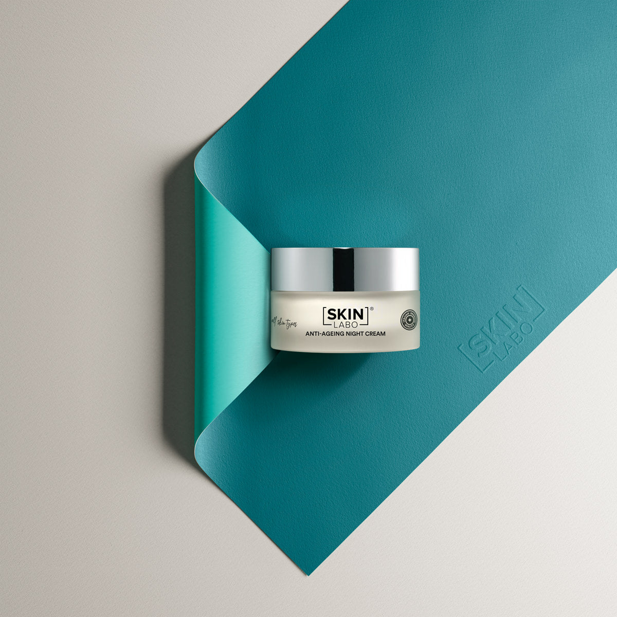 ANTI-AGE REVITALISING AND RISTRUCTURING  NIGHT CREAM