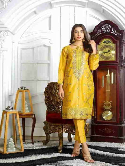 embroidered dresses pakistani