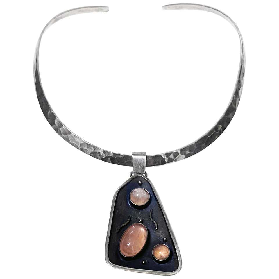 Georg Kramer Modernist Silver and Rose Quartz Pendant, Germany, circa 1930