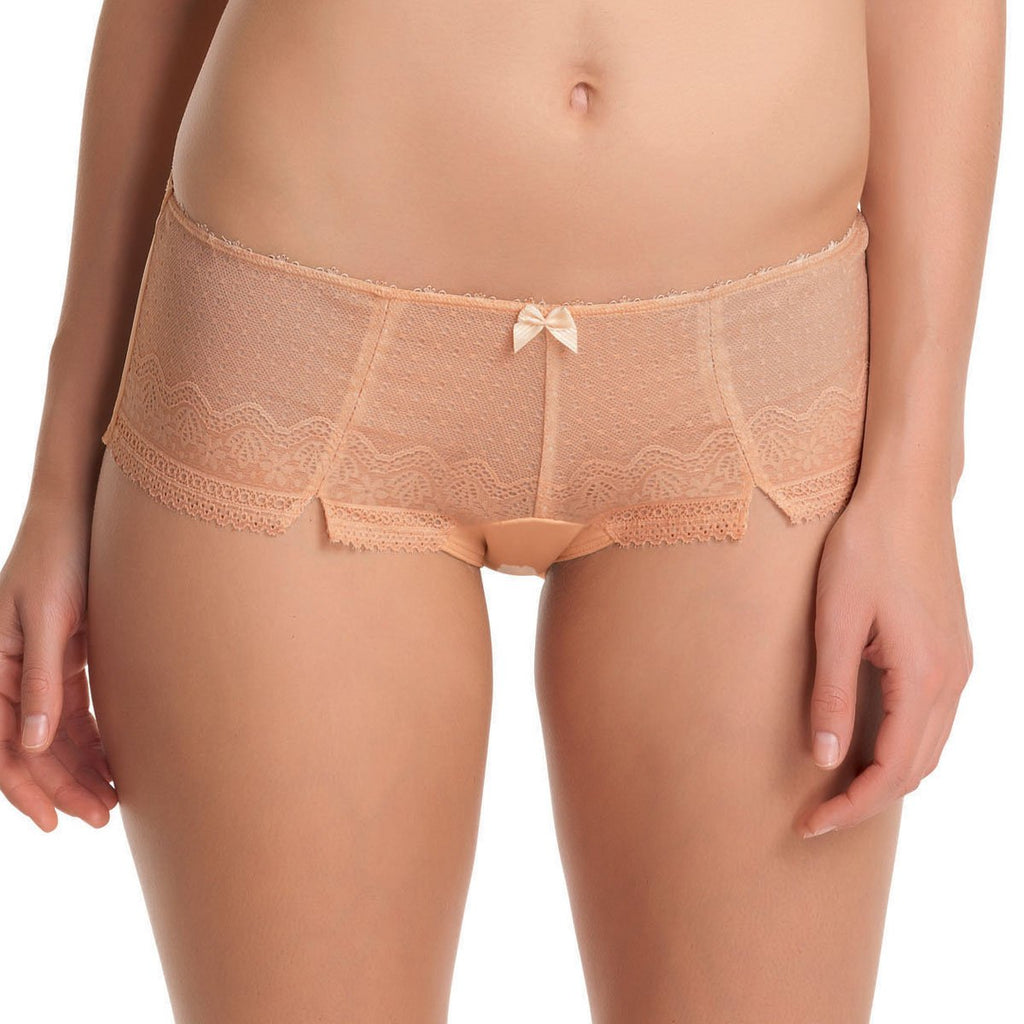 Freya Gem Short, Nude