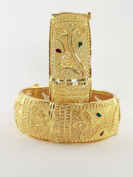 beautiful gold plated pair of bangles for women and girl