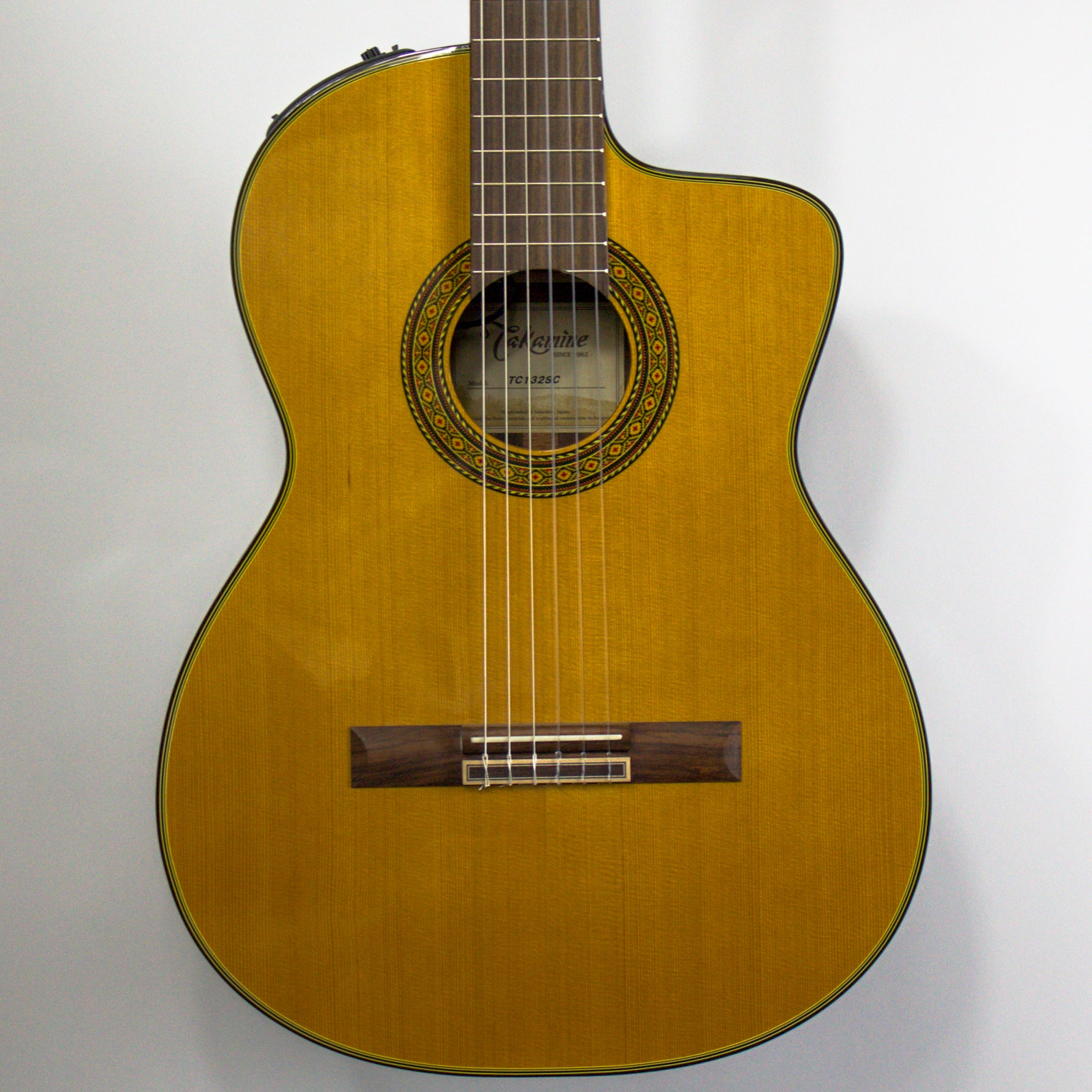 Takamine TC132SC Classical with Cutaway