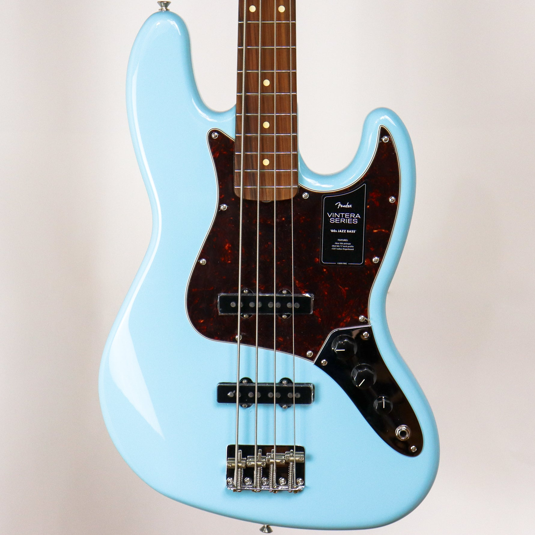 Fender Vintera '60s Jazz Bass, Daphne Blue w/deluxe gig bag