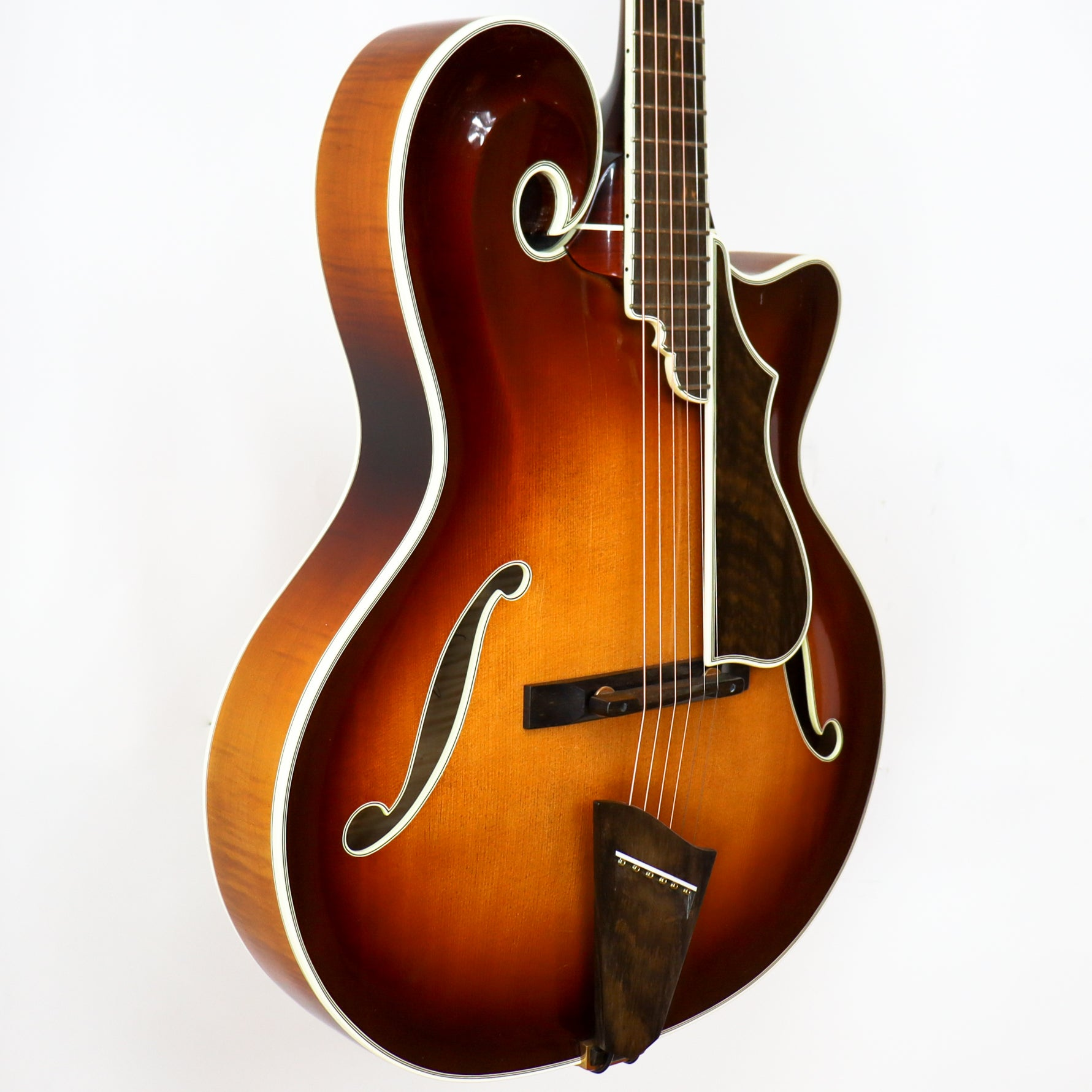 Monteleone 1994 Grand Artist #147 (First One Ever Built)