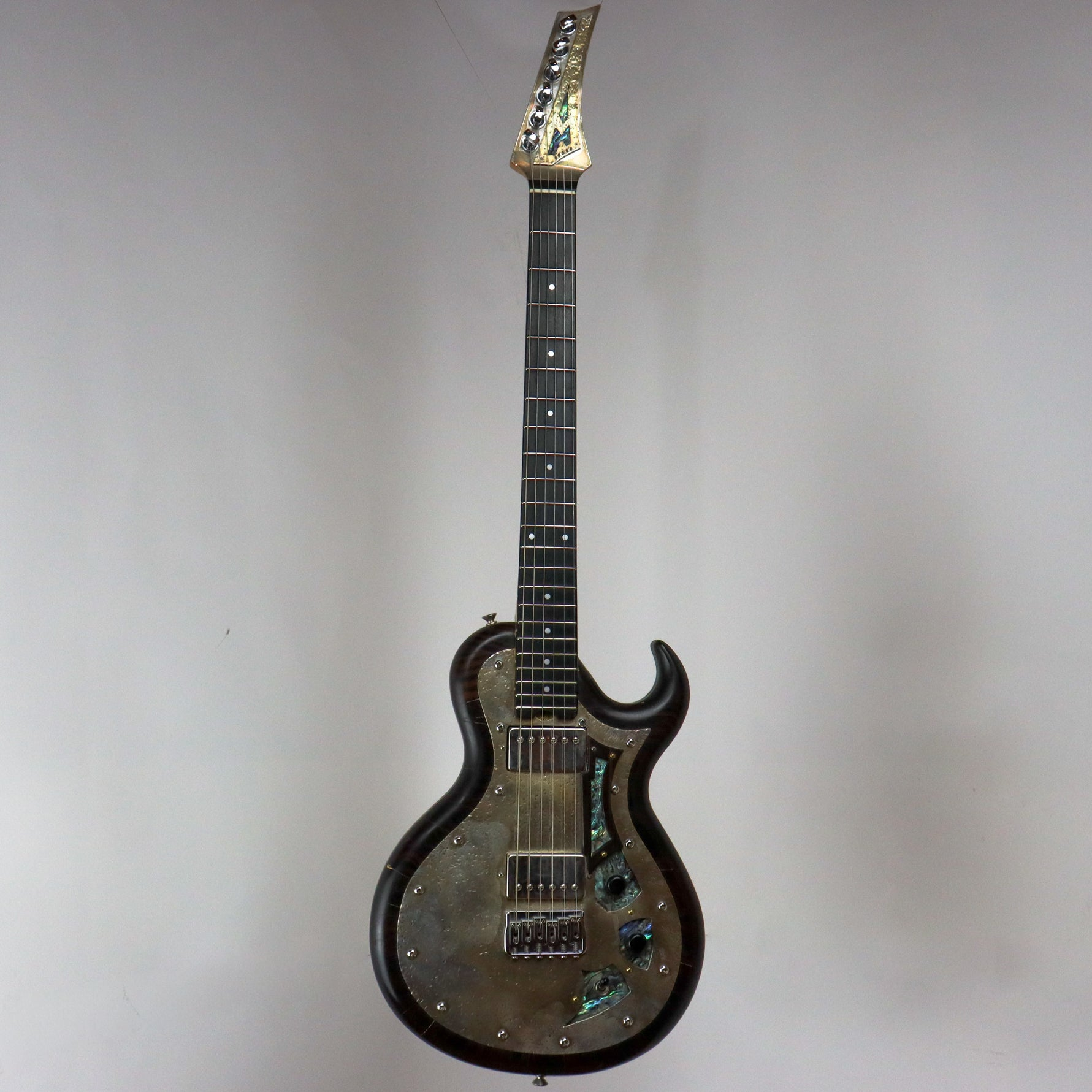 AM Guitars #00052 Ebony/Silver w/hardshell case