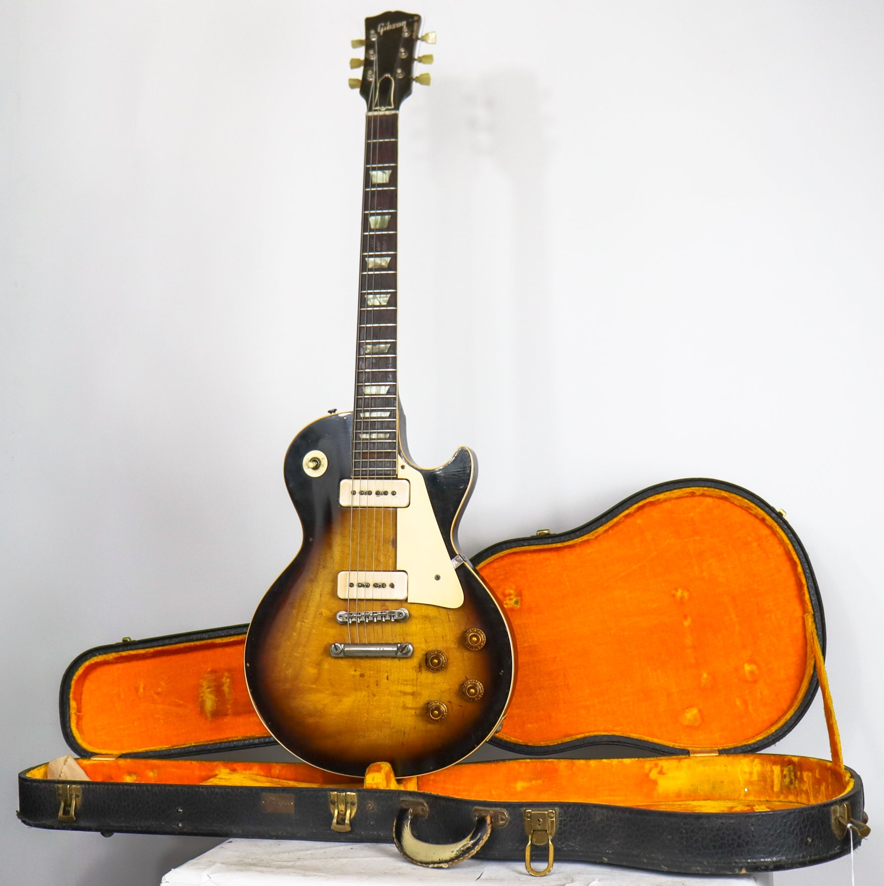Gibson 1956 Les Paul Sunburst (The First Ever Sunburst Les Paul)
