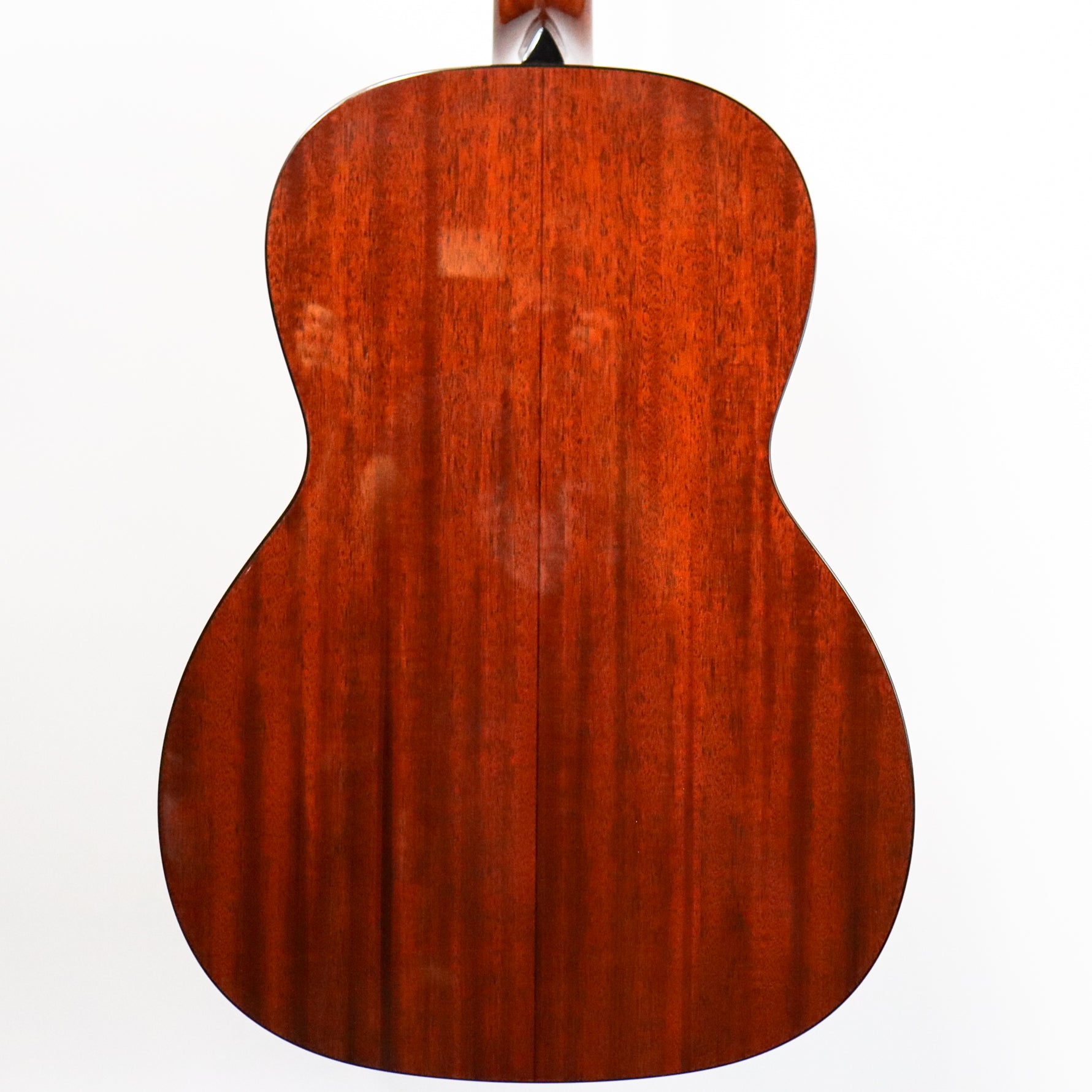Collings 0001 12-Fret. Sitka spruce top, Mahogany back and sides
