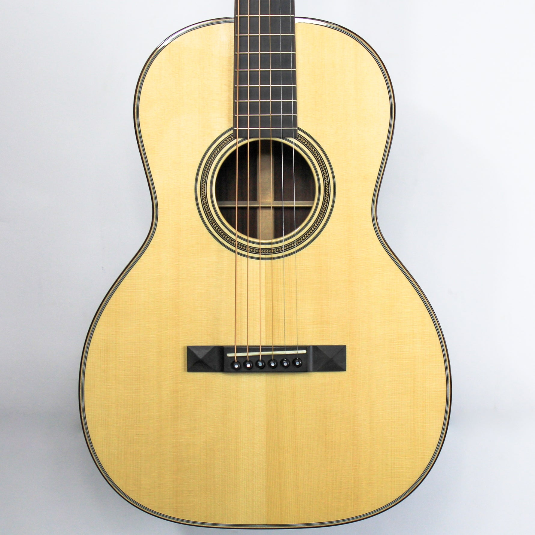 Huss and Dalton 00-SP, Engelmann Spruce, East Indian Rosewood