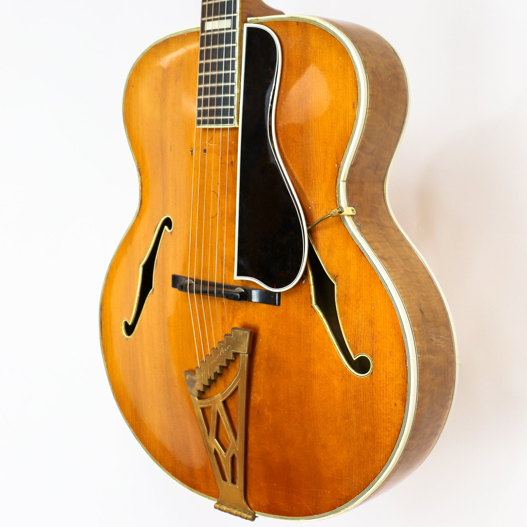 "D'Angelico 1950 New Yorker Blonde 18"" SN# 1840 with Hardshell Case"