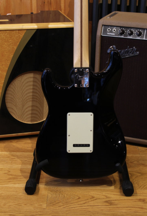 Fender American Professional Stratocaster Maple Neck Black