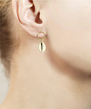 Load image into Gallery viewer, Cowrie Ring Earrings
