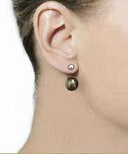 Load image into Gallery viewer, Tahitian Black Pearl & Silver Stud Earring