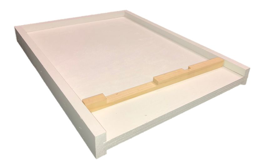 10 Frame Cypress White Bottom Board w/Entrance Reducer