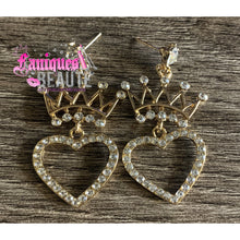 Load image into Gallery viewer, Queen of Hearts *comes in gold & silver* - Faniques Beaute Emporium
