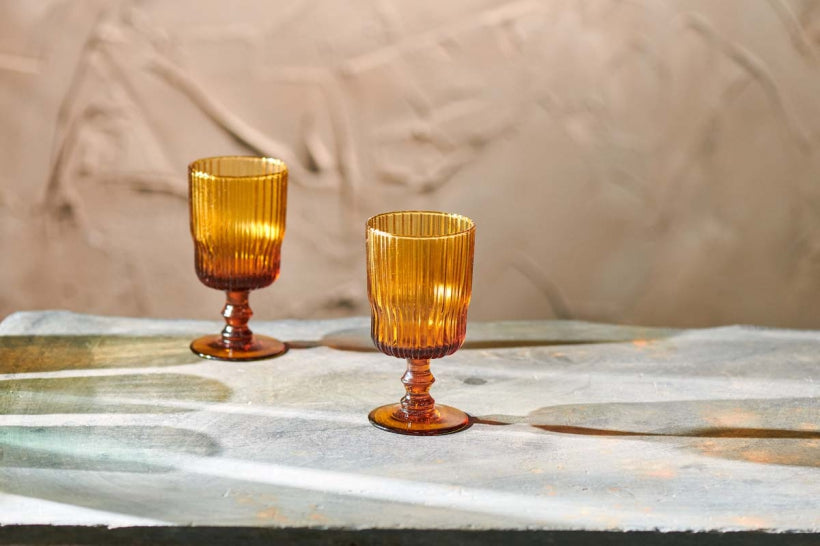 FALI RIBBED AMBER WINE GLASS