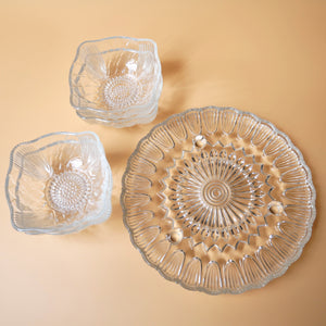 VINTAGE SINGLE TIER GLASS CAKE STAND