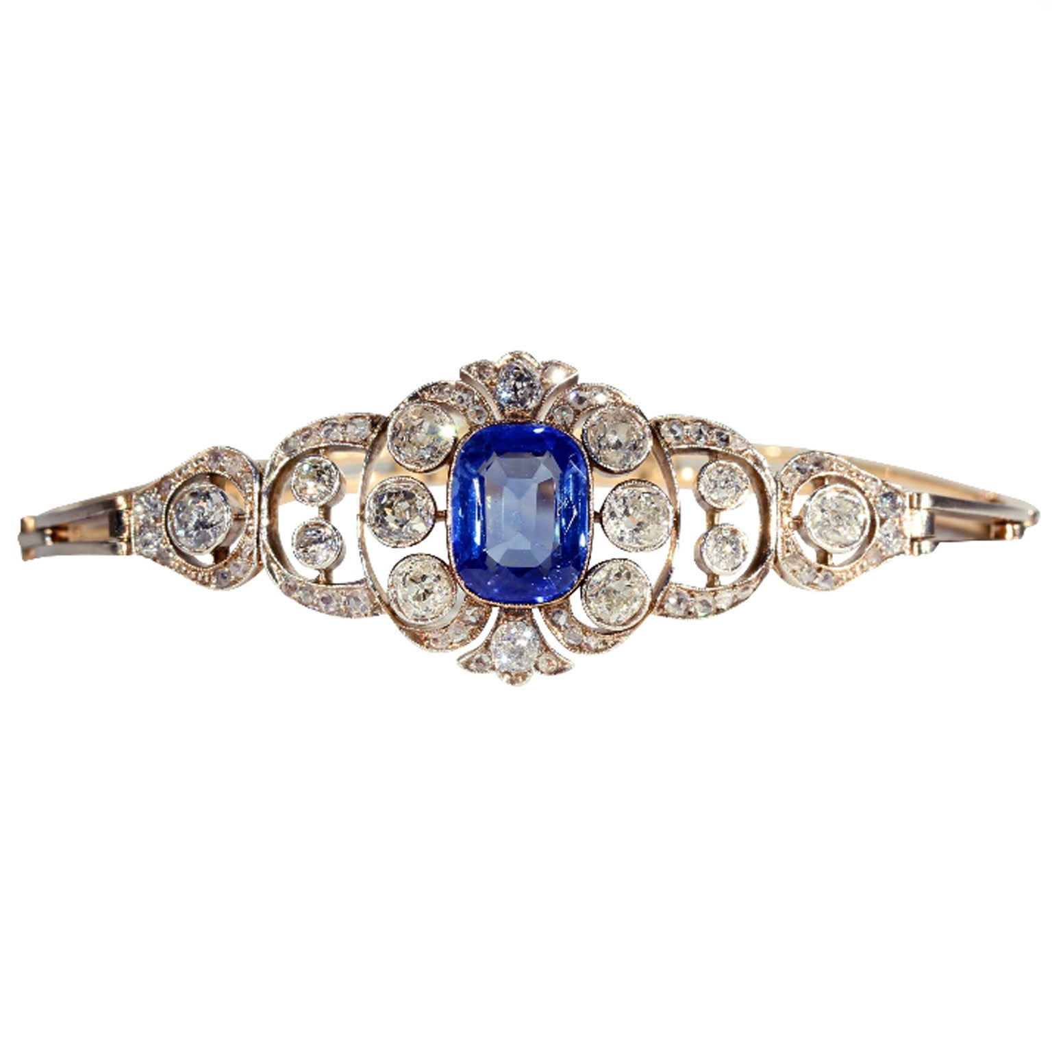 h white halo and blue diamond auriya pin tdw i sapphire ring gold