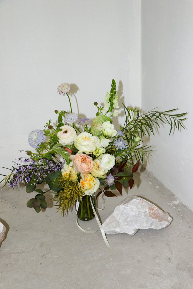 Load image into Gallery viewer, Sculptural VASE | Soulful Flowers