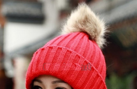 Tight Knitted Skull Pom Beanie - Red