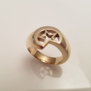 Solid star and moon ring gold color